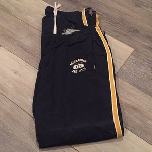 Abercrombie active pants nylon with lining